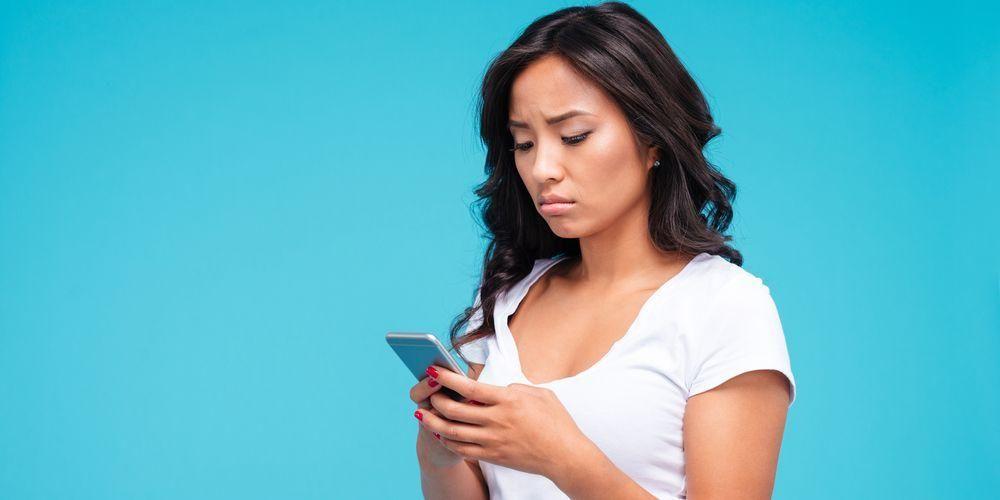 Bahaya Menggunakan Handphone Terlalu Lama