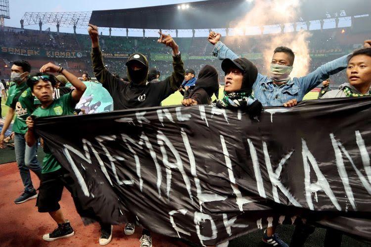 Polemik Kerusuhan Suporter Sepak Bola Indonesia