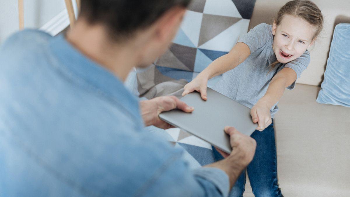 Tips dan Cara Mencegah Anak Kecanduan Gadget